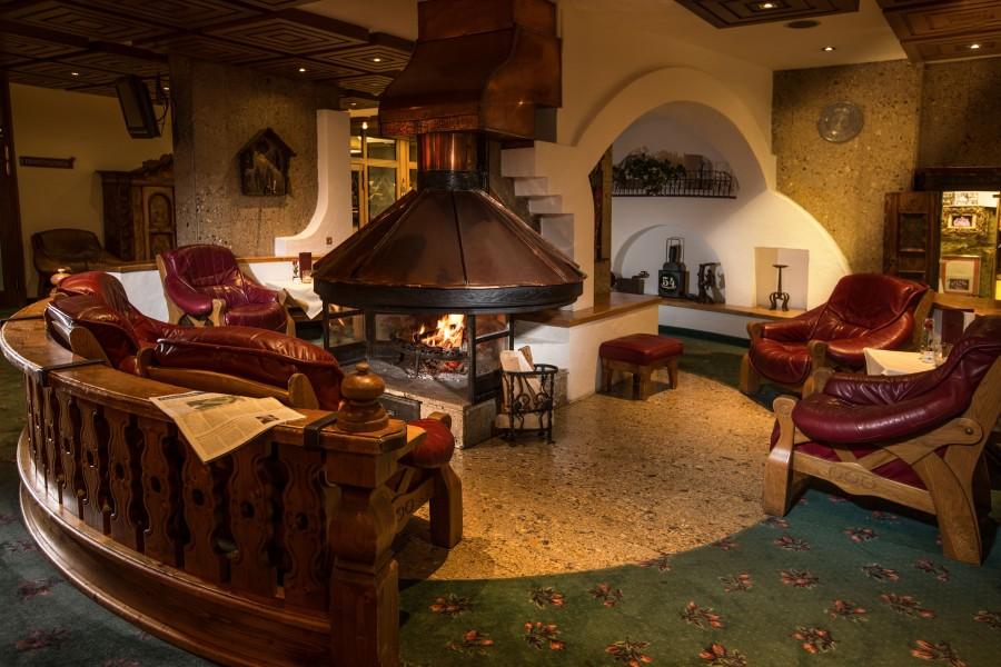 Hotel Schladming Sporthotel - kominek