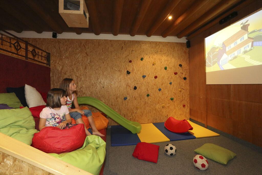 Wagrain Hotel Alpina - kino dla dzieci