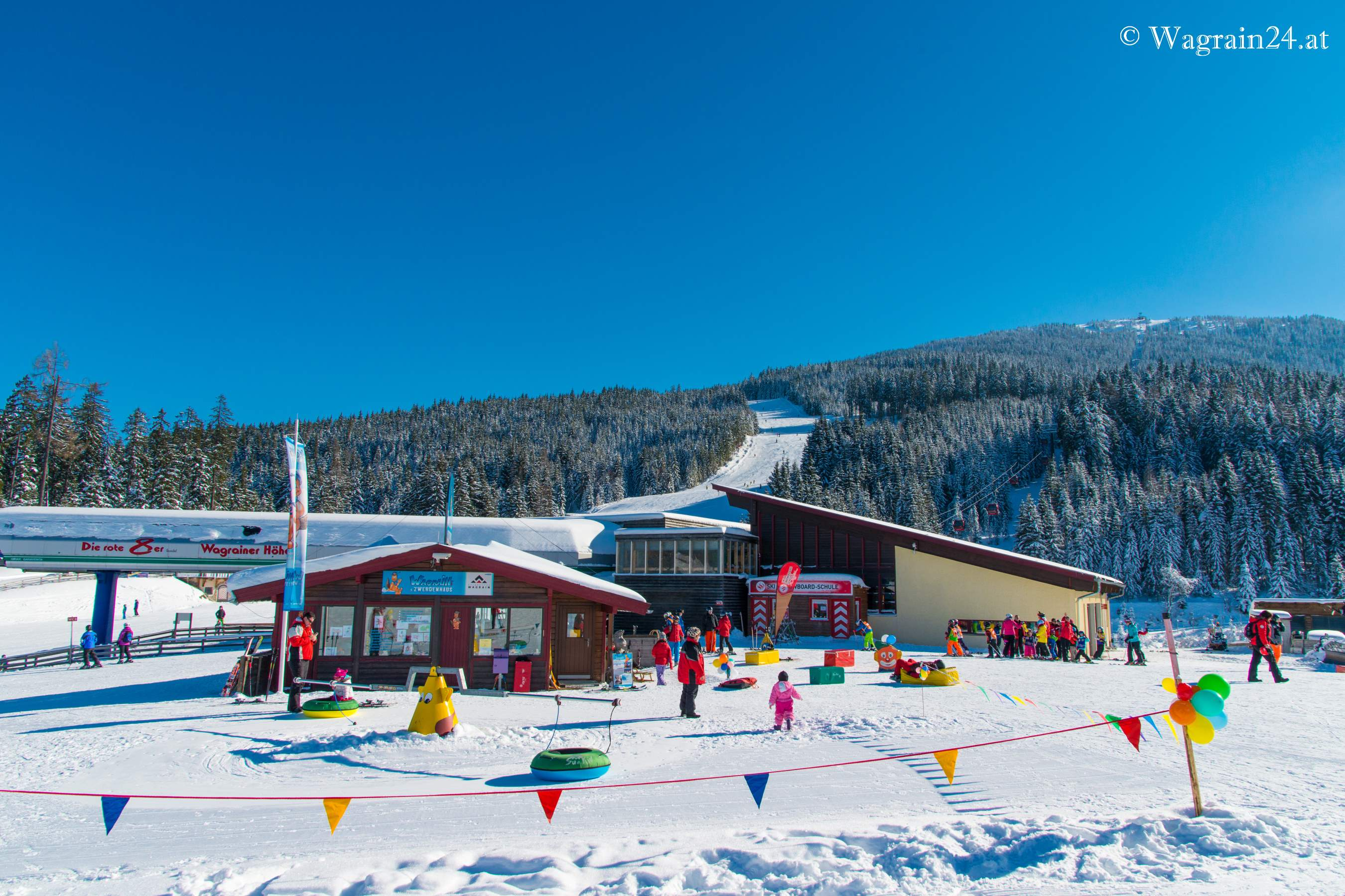 Wagrainis Winterwelt - children skiing