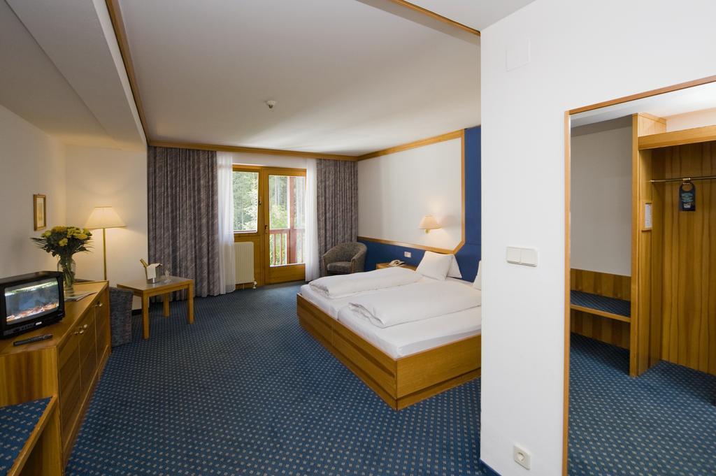 Alpenhotel Weitlanbrunn sypialnia